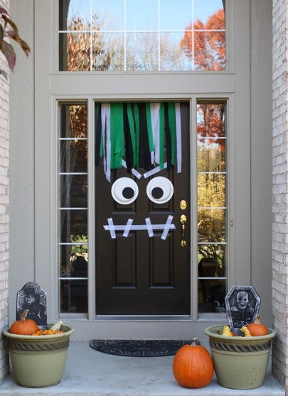 Halloween idee originali per decorare la porta di casa foto ultime notizie flash - Idee per decorare casa ...