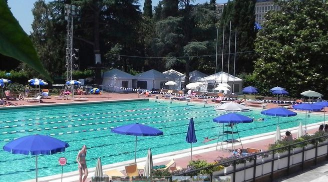 Piscine a roma per l 39 estate 2016 piscine all 39 aperto e non for Piscina roses